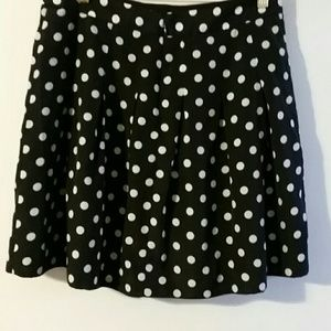 Woman's black and white polkadot skirt sz 4
